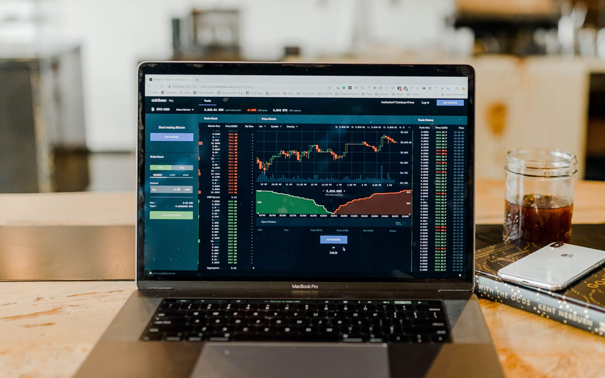 Why-Hedge-Funds-are-Using-Alternative-Data